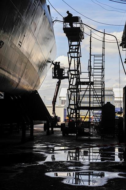 Chantier navale DCNS à Lorient